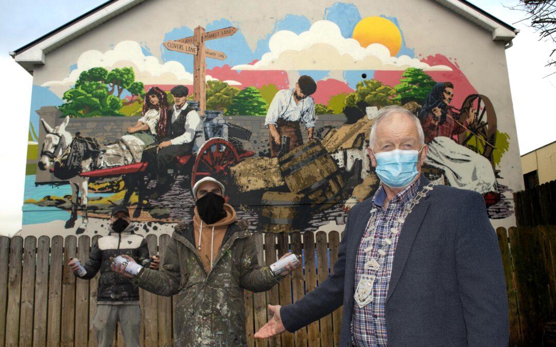 New eye catching mural brightens Clovers Lane